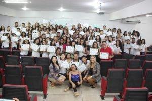 Alunos do Colégio Murilo Braga são homenageados por vereadora Ada Dantas Boabaid